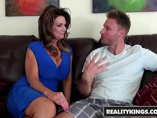 Realitykings - milf hunter - deauxma levi cash - vacation cooch
